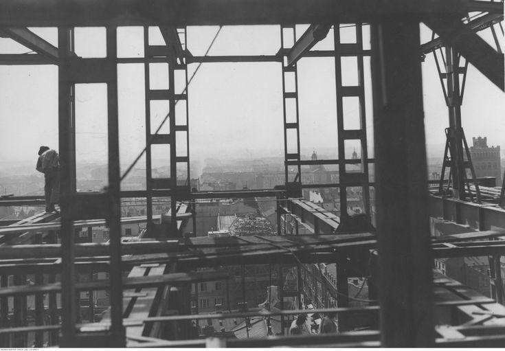 Warszawa międzywojenna - budowa gmachu Towarzystwa Ubezpieczeń Prudential