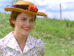 Livy (Keri Russell) in The Magic of Ordinary Days. Love her hair and clothes in this movie!