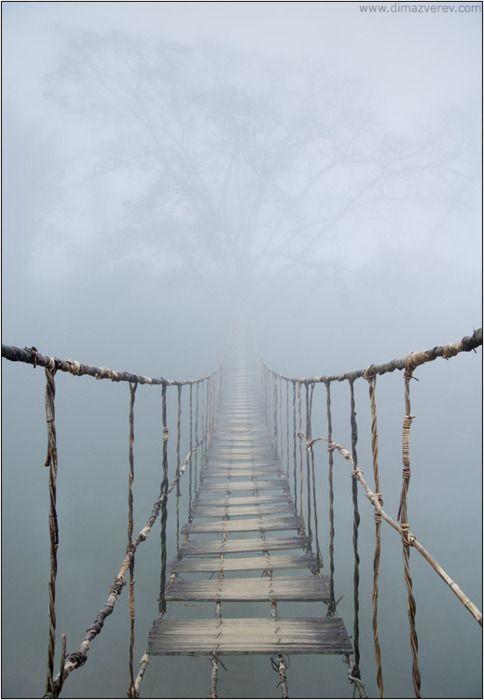 """""""Un puente es un hombre cruzando un puente..."""" J. Cortazar"""
