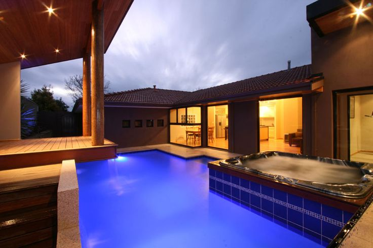 Design your swimming pool by the finest pool designers in Perth.