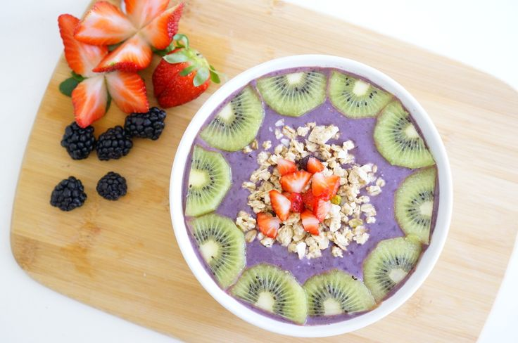Another day, another smoothie bowl. Packing in as much vitamins and  antioxidants I can this week to recover from the excessive amounts of wine  I have consumed over the weekend. Nothing does the better than some kiwi  and acai berry goodness. Good thing that I don't think I will ever get  tired of these yummy smoothies.    INGREDIENTS      * 1 Sambazon acai smoothie pack     * 1 banana     * 1 cup coconut milk     * kiwi     * strawberries     * blackberries     * granola  PREPARATION  In…
