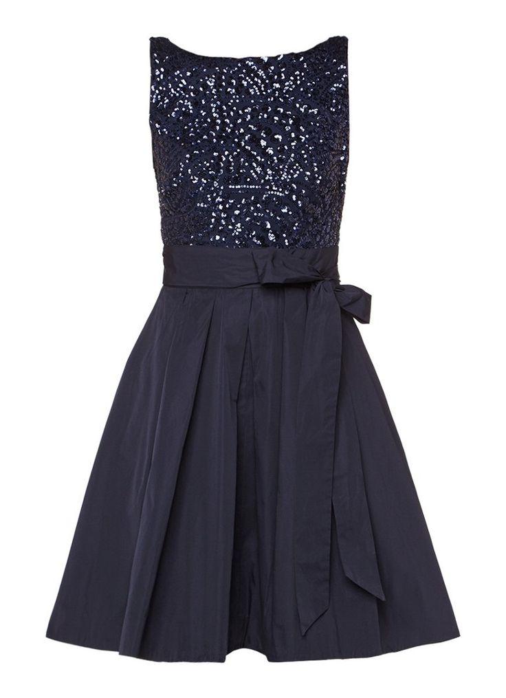 Op zoek naar Ralph Lauren Kitara A-lijn jurk met paillettentop ? Ma t/m za voor 22.00 uur besteld, morgen in huis door PostNL.Gratis retourneren.