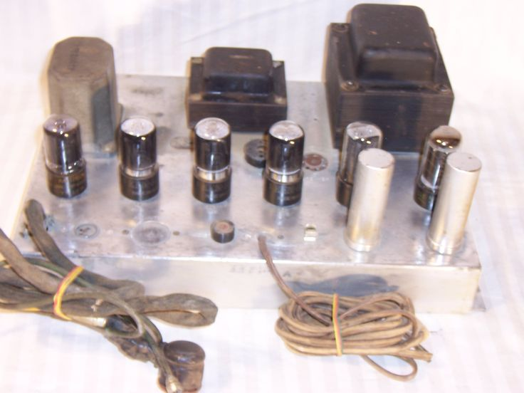 Magnavox quad 6v6 5y3 tube amp amplifier from a console.Stamped 4925 very similar to 175 or 142 amps. Guitar amp project. For sale on ebay or call me at 7163905365. Item is located in buffalo ny.