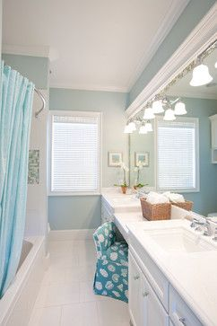 7 Traditional Coastal Bathrooms -All in the same Home! Featured on CC: http://www.completely-coastal.com/2014/10/traditional-coastal-bathrooms.html