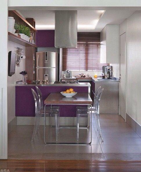 Cozinha roxa e cinza