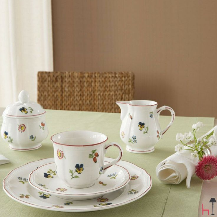 The Petite Fleur espresso cup by Villeroy & Boch is a concentrate of beauty and elegance.