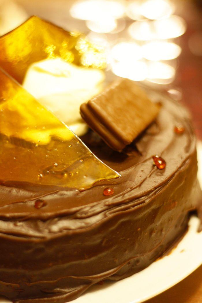 Flourless Chocolate and Hazelnut Torte :) Photo: Julie Flestado