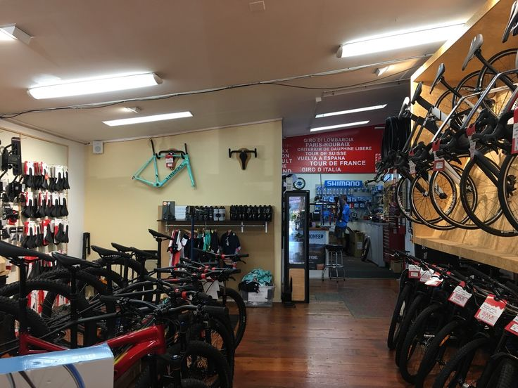 Bike shop! With proper road bikes! 🚴 The first real road bike in New Zealand! Wow 😳 can't believe it! 🚴 #swimbikerun #auckland #training
