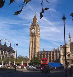Located in the bank of the river Thames, London is the capital of United Kingdom and one of the most visited global cities.