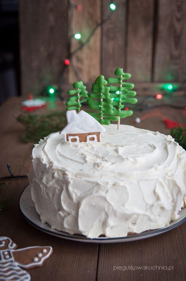 Tort makowy to świetna propozycja na coś słodkiego na świąteczny stół. Biszkopt makowy i spora porcja kremu z białą czekoladą to klasyczne zestawienie. Jeżeli lubicie mak i czekoladę to jestem…