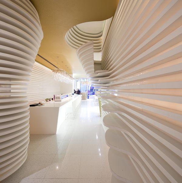 horizontal ambianced interior, Sushicafe Avenida, Lisbon