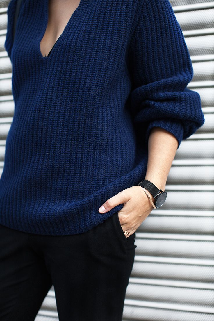 Big knits and simple accessorising - the CM | Black £215.