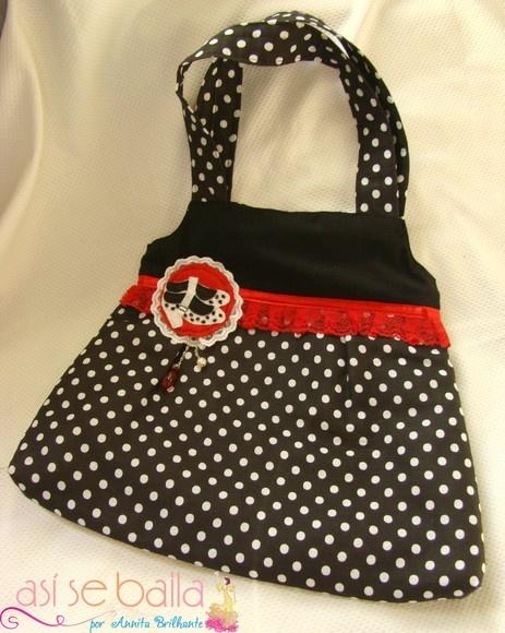 Bolsa De Tecido Com Forro E Ziper : Bolsa feita em tecido de bolinhas com detalhes