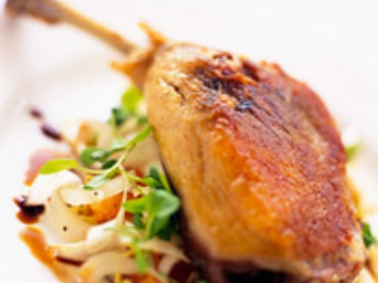Découvrez la recette Cuisses de canard confites sur cuisineactuelle.fr.