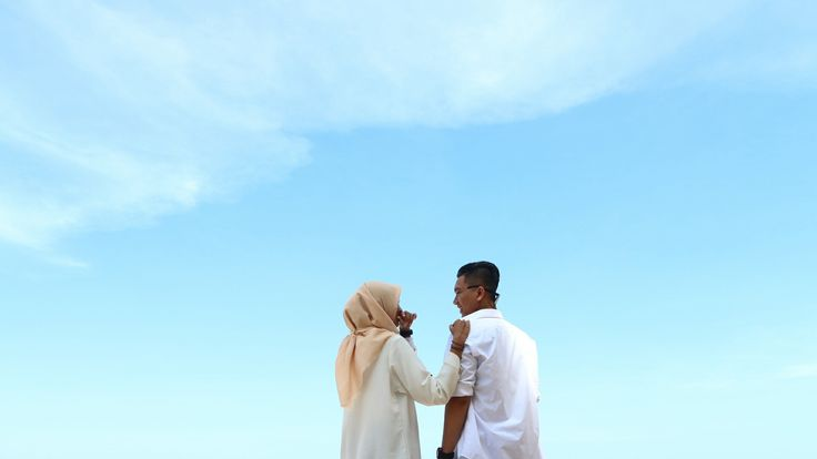 Inspirasi foto pre wedding outdoor di pantai Malang