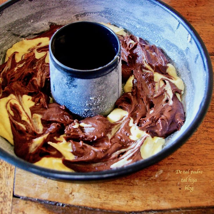 bello, profumato e sopratutto buonissimo       Questo dolce profuma abbondantemente di cioccolato e arancia. In tavola, a colazione o ne...
