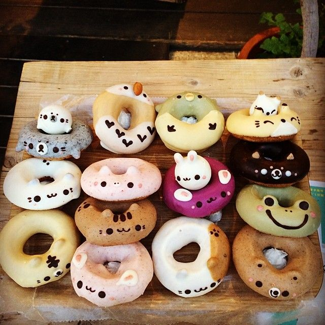 Check out those donut holes, especially the seal pup! Animal donuts in Japan.