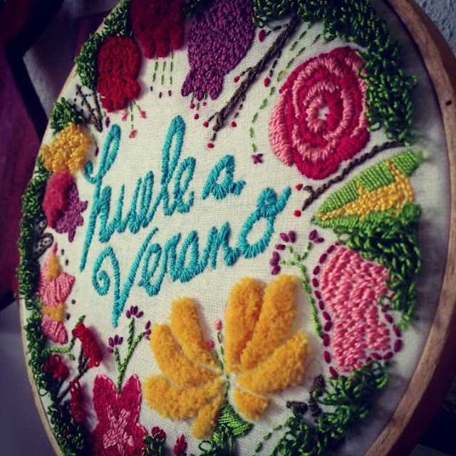 lindo bordado (embroidery) de nuria aparicio via dudua blog