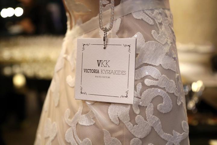 Victoria Kyriakides: l'intervista esclusiva alla stilista di abiti da sposa che ama sorprendere con magiche creazioni