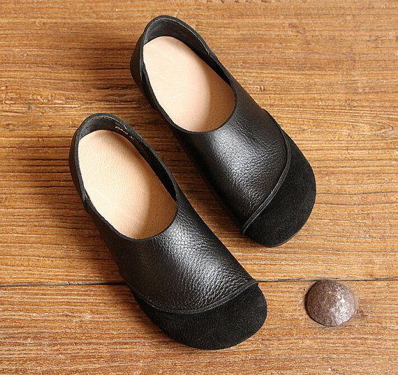 Schwarze handgefertigte Schuhe Oxford Frauenschuhe von HerHis