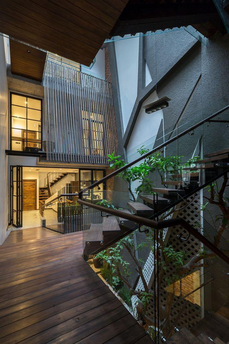 Ngôi nhà kí ức giữa lòng Hà Nội | LÊ house | Kiến Việt net
