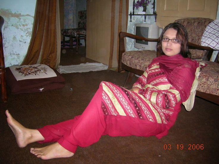 Desi Hot pakistanais et les filles indiennes prêt à dormir-5184