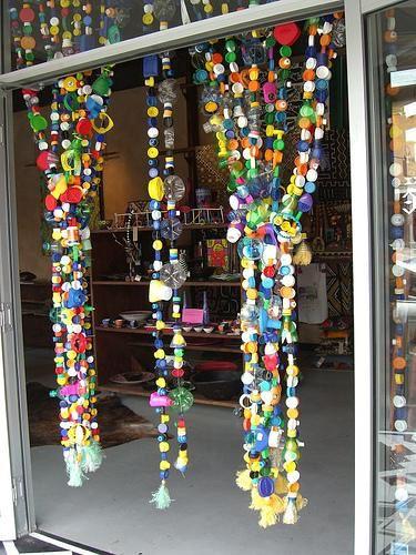 Tende arcobaleno con tappi di plastica