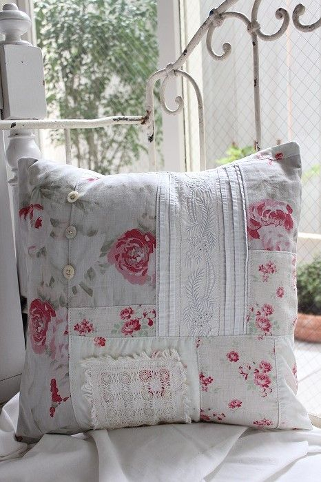 Shabby Chic Pillows Diy : 582 best images about Pretty Pillows on Pinterest Cute pillows, Pillow tutorial and Throw pillows