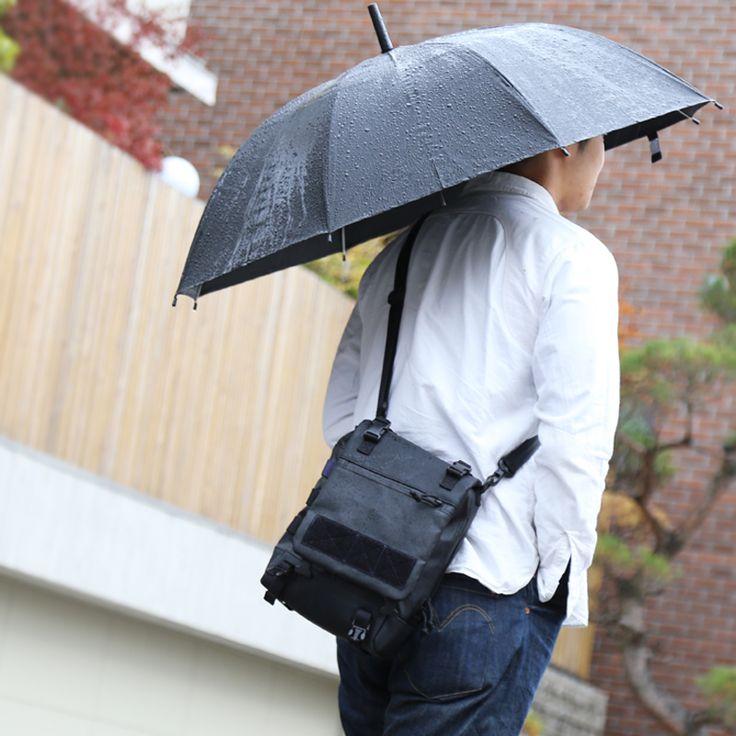 드디어 블랙라벨의 새 모델이 출시되었습니다. 'Merkava'메르카바라는 크로스백 겸 오피스백입니다. 온라인샵에서 만나시려면 조금 더 기다려주시구요. 본사 오프라인샵에서는 바로 만나보실 수 있습니다.  http://www.magforcekorea.com  #magforcekorea #magforce #crossbag #officebag #bag #magforceblacklabel #맥포스코리아 #맥포스 #크로스백 #오프스백 #가방 #맥포스블랙라벨
