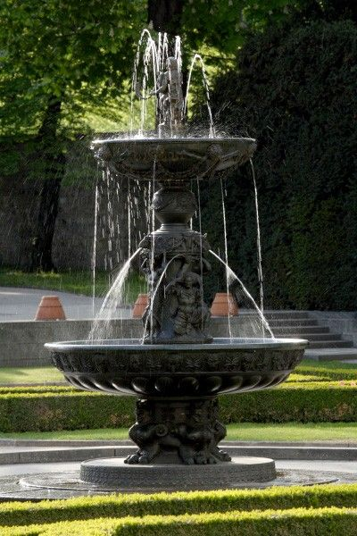 Royal Garden in #Prague Castle - Singing fountain #travel svasek.eu
