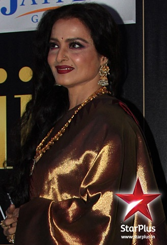 Rekha wears a traditional kanjeevaram sari at #iifa