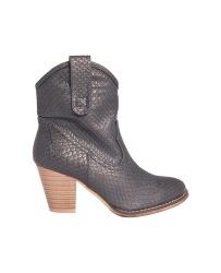 Nieuw binnen mooie laarzen voor de #kerst kijk snel op http://stretchfashion.net/nieuw voor de laatste nieuwe mode