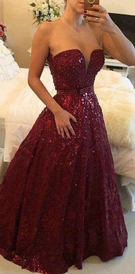 Hermoso vestidos en color vino