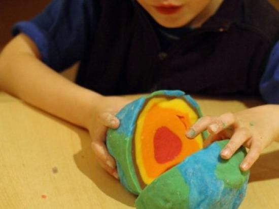 Learning about the layers of the earth with playdough