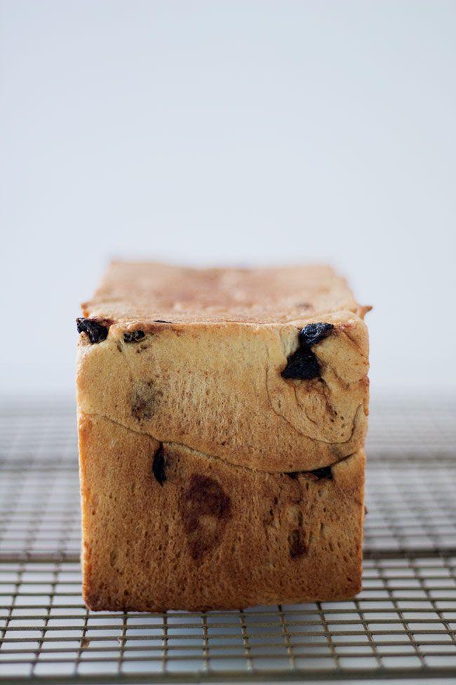 Cinnamon Raisin Bread Well Floured Recipe In 2020 Cinnamon Raisin Bread Cinnamon Raisin Raisin Bread