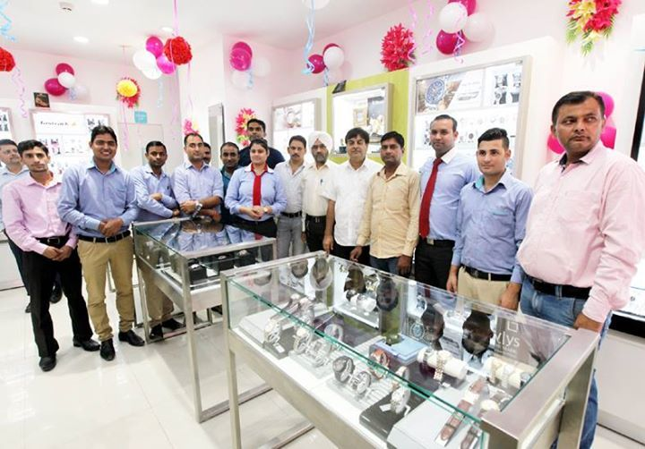 Officials of Titan Company Limited during inauguration of new identity watch & eye wear store at Gandhi Nagar.  -Excelsior/Rakesh