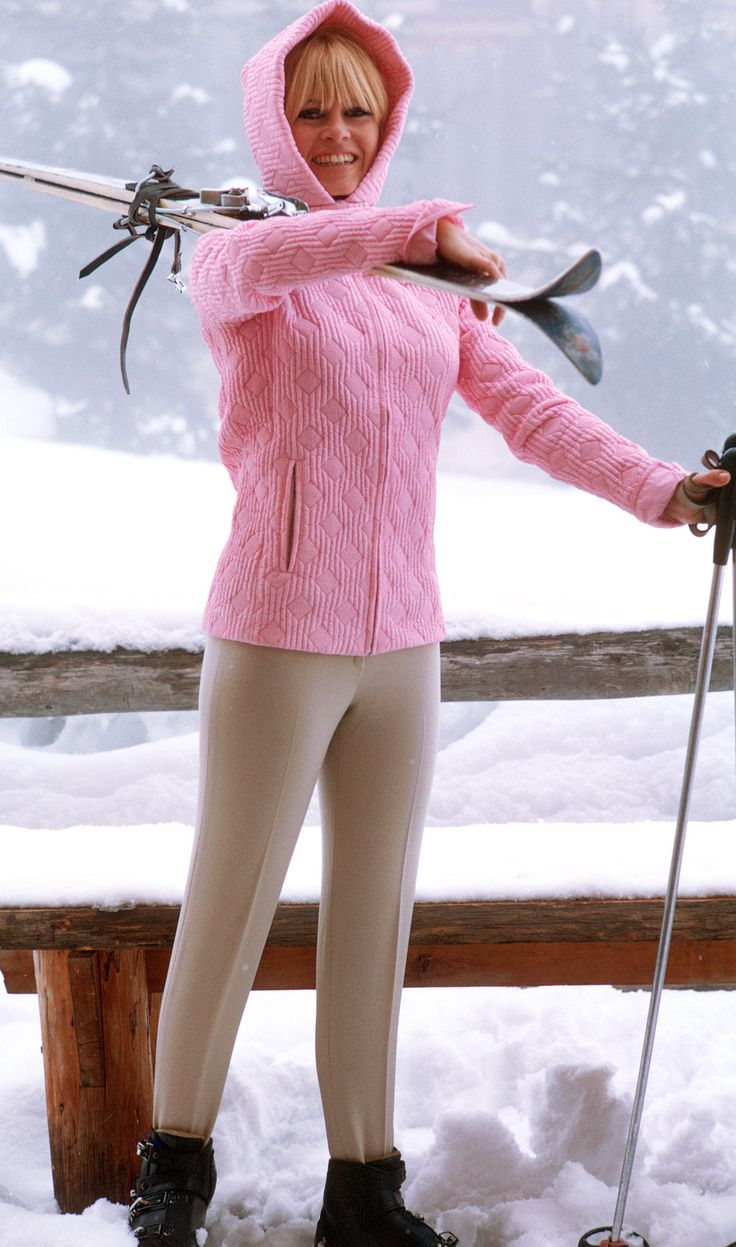 Brigitte Bardot. Vintage ski style.