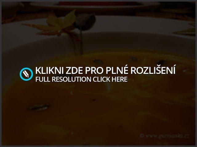 Dýňová polévka s medem, šalvějí a parmezánem