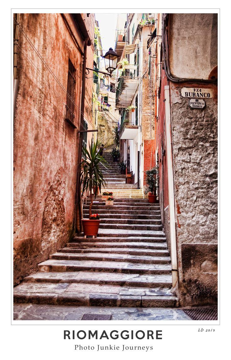 The colourful and narrow streets of Riomaggiore