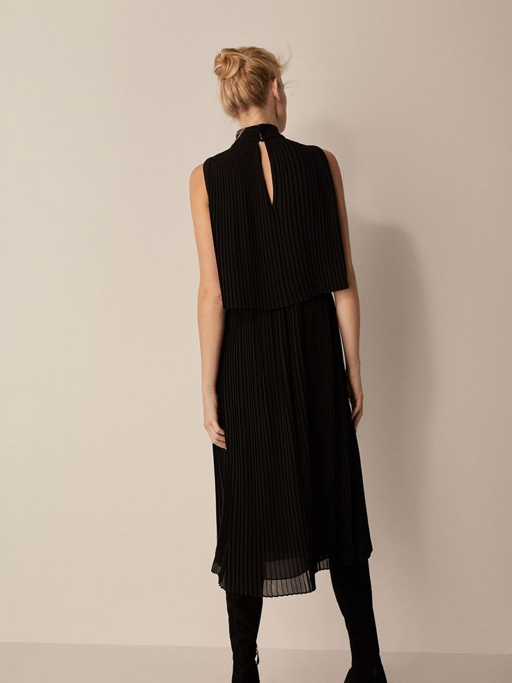 Spring Summer 2018 Women´s PLEATED DOUBLE LAYER DRESS at Massimo Dutti for 150. Effortless elegance!