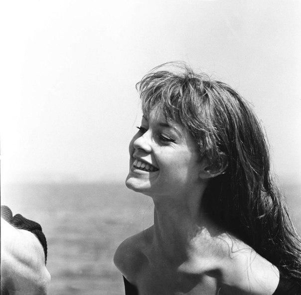 166 best images about Brigitte Bardot on Pinterest | Red ...