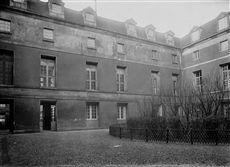 L'hôpital de la Salpêtrière, boulevard de l'Hôpital. Paris (XIIIème arr.).