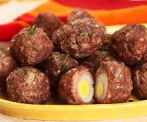 Bolinhos de carne com ovo - Receitas Aki