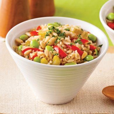 Pilaf de riz brun aux légumes et noix de pin - Recettes - Cuisine et nutrition - Pratico Pratique