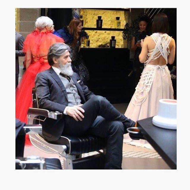 Back stage. Rule #1 modeling: be patient. 🙏🏻. #zen #relax #model #gentleman #dandy #barber #beardmodel #barbershop #lhommeideal #style #follow4follow #beard #smart #badass_beards #beardandcompany #Beardlov3 #beard4all #beardedlifestyle  #beardlovers_ #labbarba  #Thebeardedchap #beardfraternity #beard_care  #Labarbieredeparis  #beardedlifeco #Top_Beards #beardedvillains