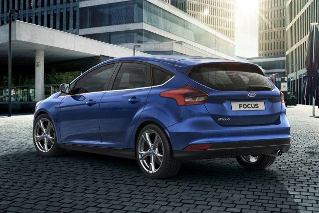 Nowy Focus prezentuje całkowicie odmienione oraz lepiej wyrzeźbione nadwozie, dzięki czemu jeszcze lepiej prezentuje się na drodze. Dodatkowo udoskonalone wnętrze nadaje mu ujednolicony wygląd, co daje jeszcze większą przyjemność z jazdy. Rezultat: najbardziej zaawansowany Focus, jakiego dotąd stworzyliśmy. Te luksusowe samochody zaczną pojawiać się na drogach jeszcze w tym roku.Model ten reprezentuje następną generację, wykorzystuje wiele znakomitych nowych technologii.