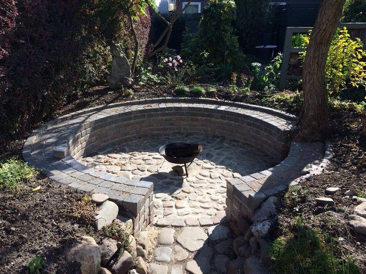 De zitkuil in onze tuin
