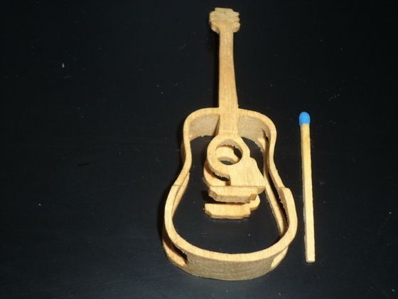 Impress your diy buddies with this #wooden 3D guitar - have you noticed that it is hardly larger than a match? http://www.1-2-do.com/de/projekt/3D-Gitarre/bastelanleitung-zum-selber-basteln/16413/