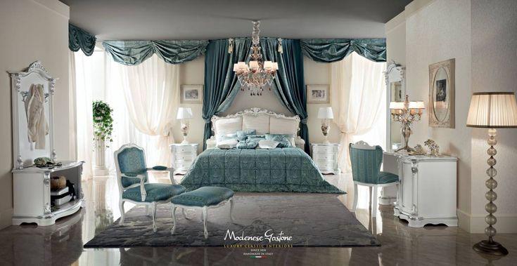 Bedroom-luxury-classic-Italian-style-furniture-Bella-Vita-collection-Modenese-Gastone.jpg - Camera da letto su misura con applicazioni in foglia argento e mobili accessoriati di compartimenti frigo