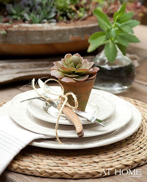 Cute idea for table favors: Chadduckplac Sets, Heather Chadduckplac, Parties Tables Sets, Rustic Tables, Lakeside Lodges, Outdoor Parties, Gardens Parties, Places Sets, Arkansas